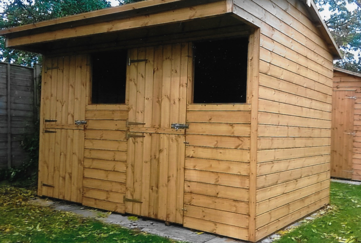 Stable sheds with overhang 10 x 8